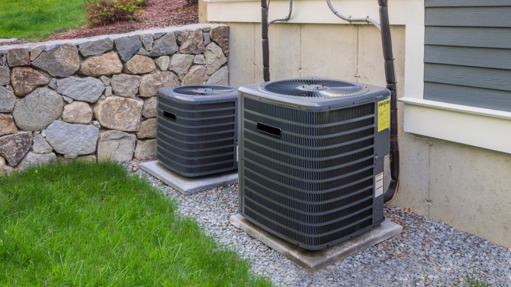 An air conditioner and heat pump.
